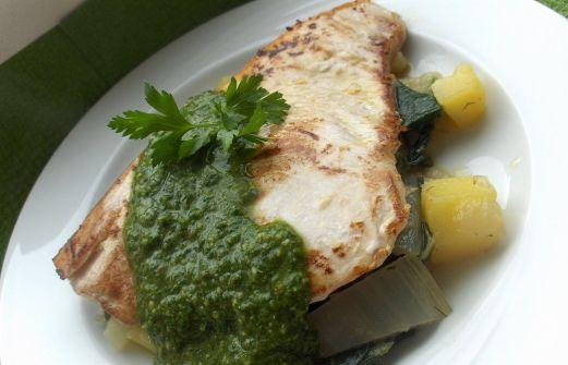c534c2cf53 Συνταγή  Ξιφίας με σάλτσα βέρντε (Salsa verde) και σέσκουλα